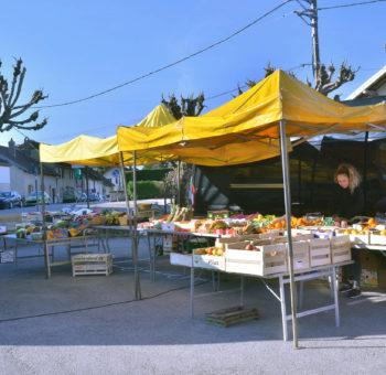 Commune-Emagny-Doubs-accueil-marché-place-des-tilleuls