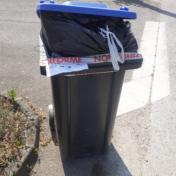Container à poubelle et abandon sur la voie publique ne font pas bon ménage !
